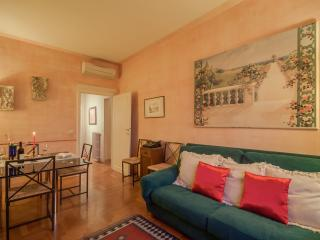 Oasis above the arches loft (sleeps 5), Firenze