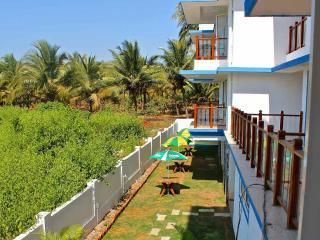 Beachside Spacious Apartment, Vagator