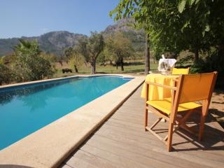 Beautiful 5 bedroom Country House with pool, Bunyola