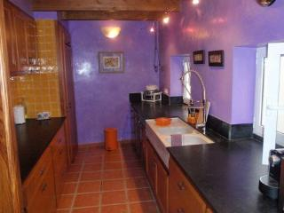 Cocina Sant Antoni, totalmente equipada, vitro, horno, lavavajillas, nevera, tostadora, cafetera