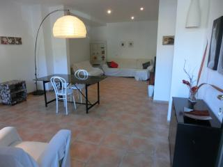 2 bedroom town house perfect for cyclists- hikers., Bunyola