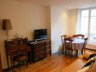 Nice and charming apartment, Levallois-Perret