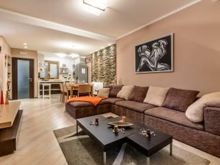 Luxury apartment M, Zaton
