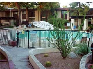 One Bedroom Condo furnished walk to everything, Scottsdale
