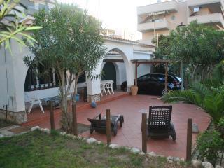 Casa para 2-4-6 personas cerca playa y golf-SALOU-, Salou