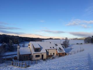 Drovers House & Highland Studio - Hot-Tub - Sleeps 8 -