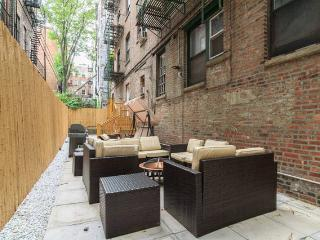 NY015 West Village 3BR w Private Patio!, New York City