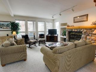 A gracious home, next door to the pool, tennis & more!, Sun Valley