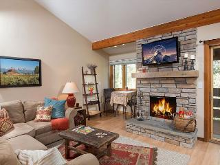 Newly Remodeled condo in the Aspens~Close to Teton Village and Jackson!