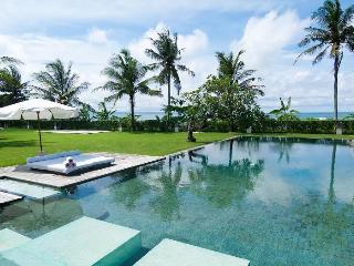 Elegant 4 Bedroom Beachfront Villa Surrounded by Rice Paddies Near Canggu;