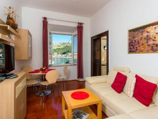 Orka Apartments - Comfort Apartment (3 Adults + 1 Child), Dubrovnik
