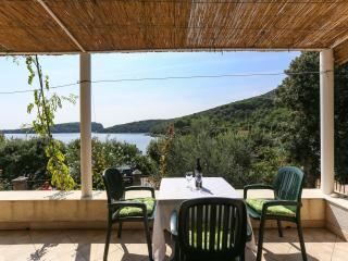Holiday Home Grgurevic - One-Bedroom Holiday Home with Terrace and Sea View, Molunat