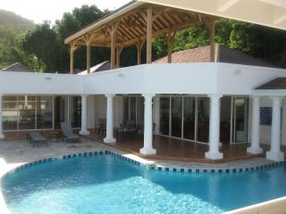 DEL MAR...  Lovely, spacious villa in Anse Marcel Great fro Families