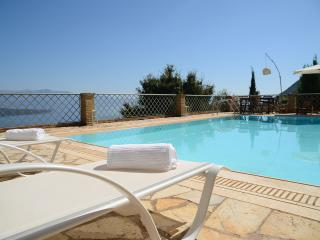 Luxurius, spectacular seaviews, pool -villa Arion, Nikiana