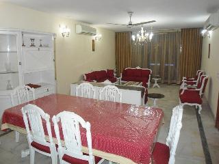 serviced apartment 2 bed room in South Delhi - GK2, Nueva Delhi