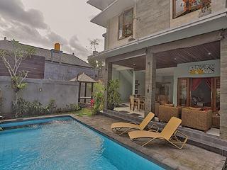 Villa Lanikki (Legian) - 3bdr reasonable price !!