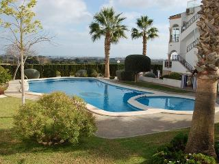 Villamartin 2 Bed 2 Bath Bungalow in the Violetas Next to Pool, Perfect