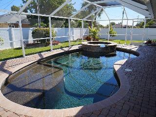 Villa Jenny - Cape Coral 3b/2ba home w/electric heated pool/spa, HSW Internet,