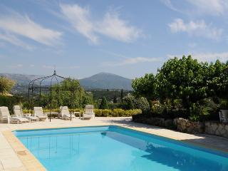 Luxury, spacious 7 bed villa. Is perfect for big groups. Spectacular views. Pool