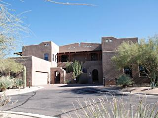 Carefree/N.Scottsdale Large Luxury Condo!