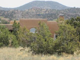 AFFORDABLE SANTA FE ADOBE / GORGEOUS MOUNTAIN VIEW