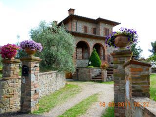 Dario's flat 'LA CROCE', Lucignano