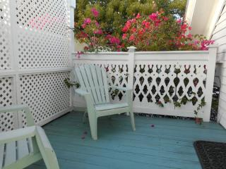 Villa Key West - One block from Duval Street!