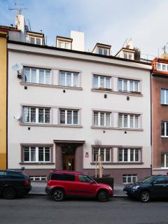 Apartment Klara2 close to Castle,on tram,nice view