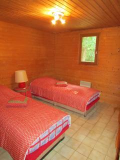 Chambre à 2 lits du chalet