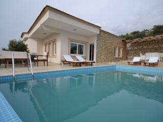 3 Bedrooms Seculed Villa (Discount Avaliable)