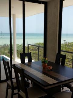 Dinnning room, ocean view