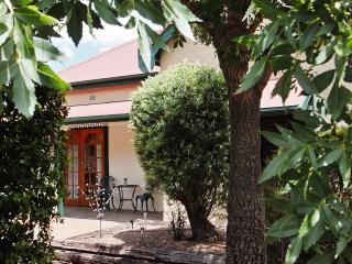 Barossa Peppertree Cottage - B & B Accommodation, Nuriootpa