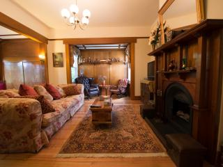 Twyford -classic property-  couplesup to 9 guests, Launceston