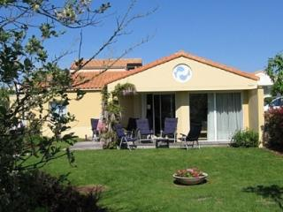 Villa Acacia 6P shared pool, Les Sables d'Olonne