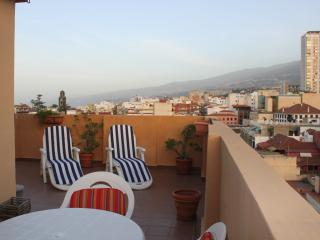 Studio in Plaza de El Charco- Huge Terrace & WIFI, Puerto de la Cruz