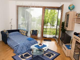 NEW: B&B sofa-bed in FRANKFURT nearby Campus ★★★, Frankfurt
