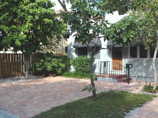 Downtown Fort Lauderdale home walk to Las Olas