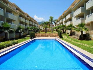 Ground floor / Pool side apartment FREE WiFi