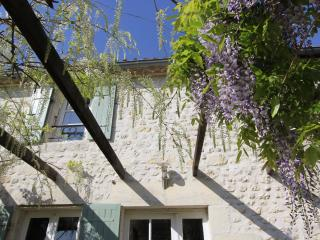 Font Remy - Wisteria, sleeps 6, heated pool, games barn, wifi, walled garden