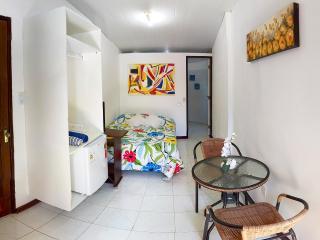 Lindo Apartamento com excelente localização, Praia do Forte