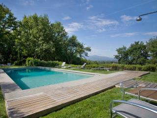 Incredible 5 Bedroom Hillside Villa in Tuscany, Gragnano