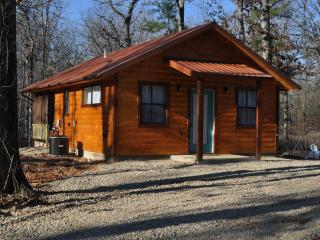 Knotty By Nature Cabin, Broken Bow