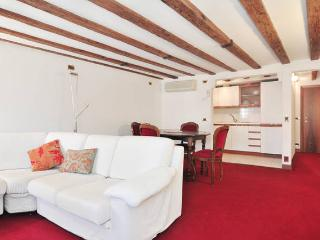 VENICE RIALTO ATTIC FUNCTIONAL & ROMANTIC