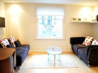 ServicedLets Malvern Place Apartments, Cheltenham