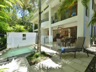 Villa Frangipani Port Douglas