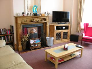 3D Internet TV with Home Cinema System, Wii Console & WiFi