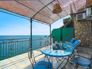 The Sun: Amalfi Coast superior villa in Praiano