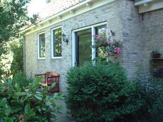 Boerderij de Stapert in dorp platteland Friesland, Bolsward
