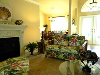 Florida Room and Entry
