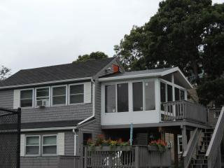 Hyannis Unit 9C 432 Sea St w/3 Season Rm View Deck